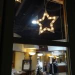 カフェもクリスマスの装い