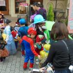 中川駅前商業地区は保育園のハロウィンで大賑わい