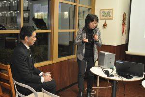 室田教授の司会で始まりました。畑澤区長も出席。