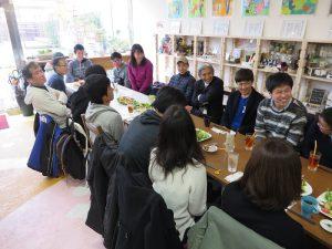 学生、地域住民、区役所職員でごくろうさん会をしました