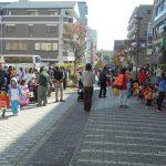 450人の保育園児がハロウィン仮装でまち歩き