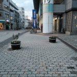 中川駅前商業地区の自転車による人身事故防止のプランター増設